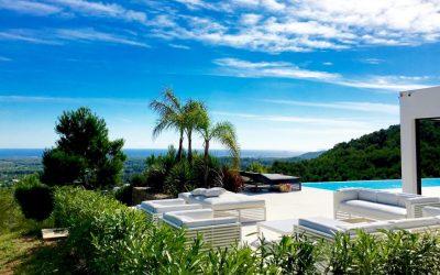 Jetez un oeil à quelques-unes des villas de vacances les plus spectaculaires à louer à Ibiza